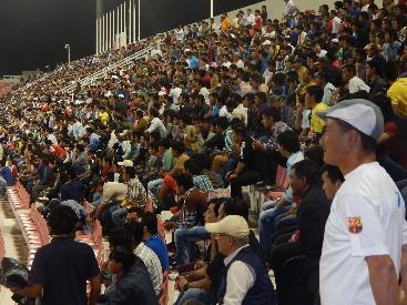 फिफाको तालिका अनुसार  कतारमा भएको नेपाल र यमनका राष्ट्रिय खेलाडी विचको मैत्रीपुर्ण फुटवल खेल हर्नेका लागी उपस्थित नेपाली दर्शकहरु । तस्विर:- घनस्याम पराजुली (कृष्ण)